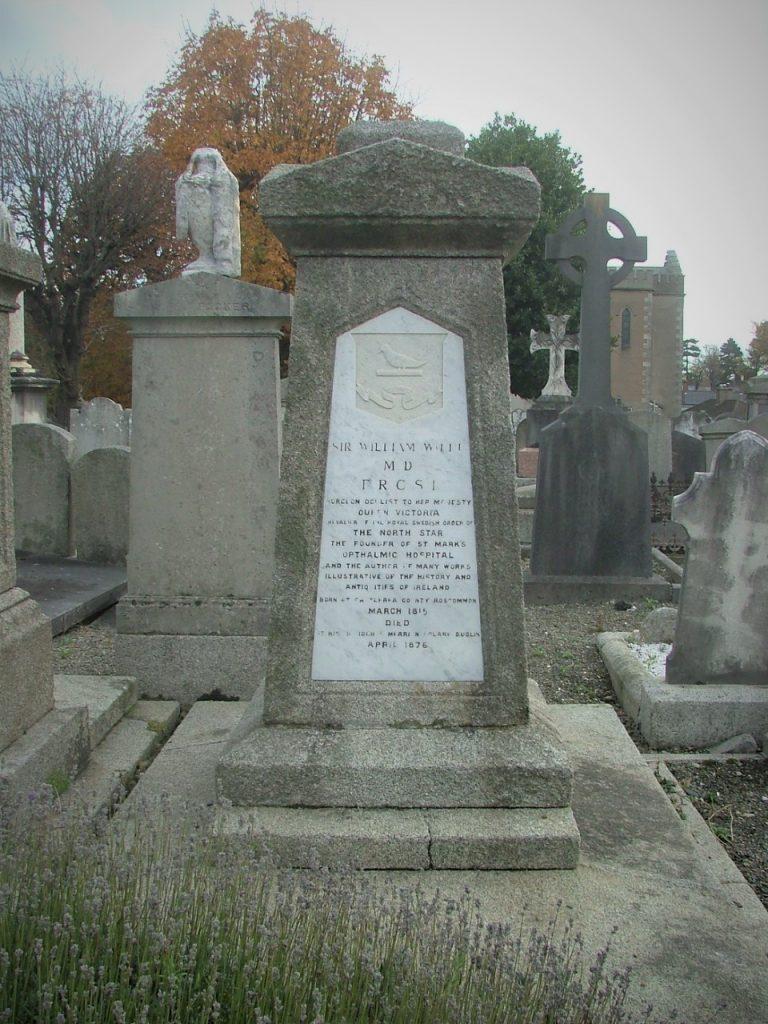 Photo of Sir William Wilde's grave