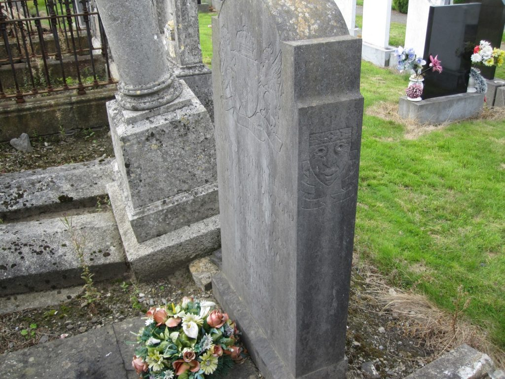 Photo of the grave of Christine and Edward Longford